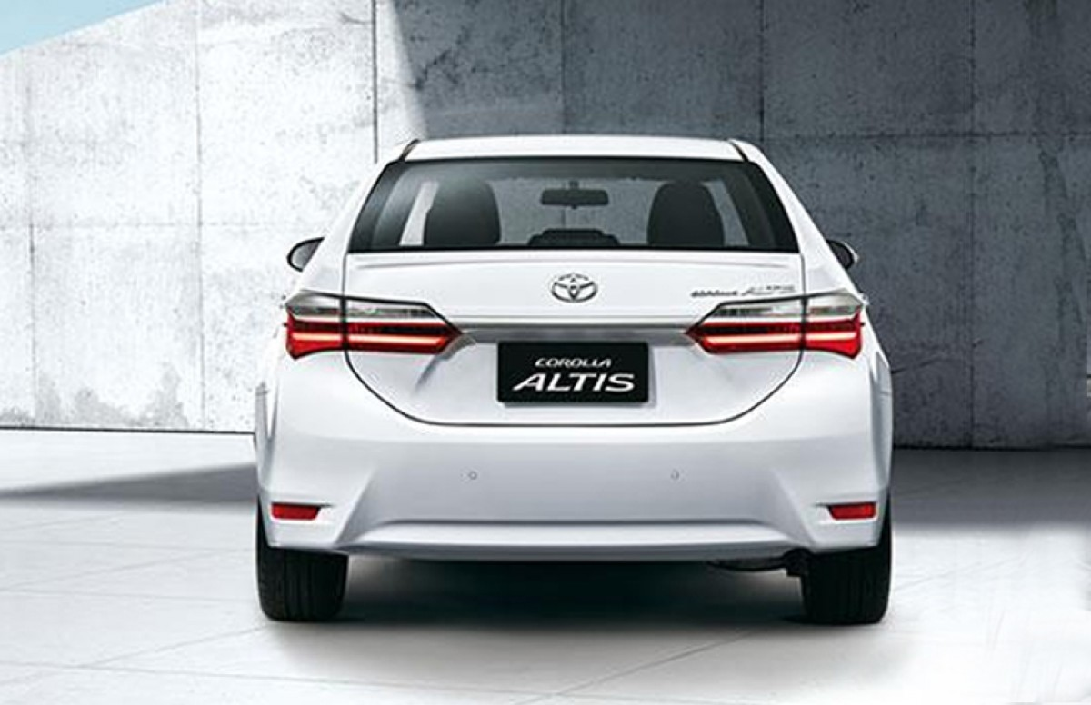 2018 Toyota Corolla Altis Price Reviews And Ratings By Car Experts
